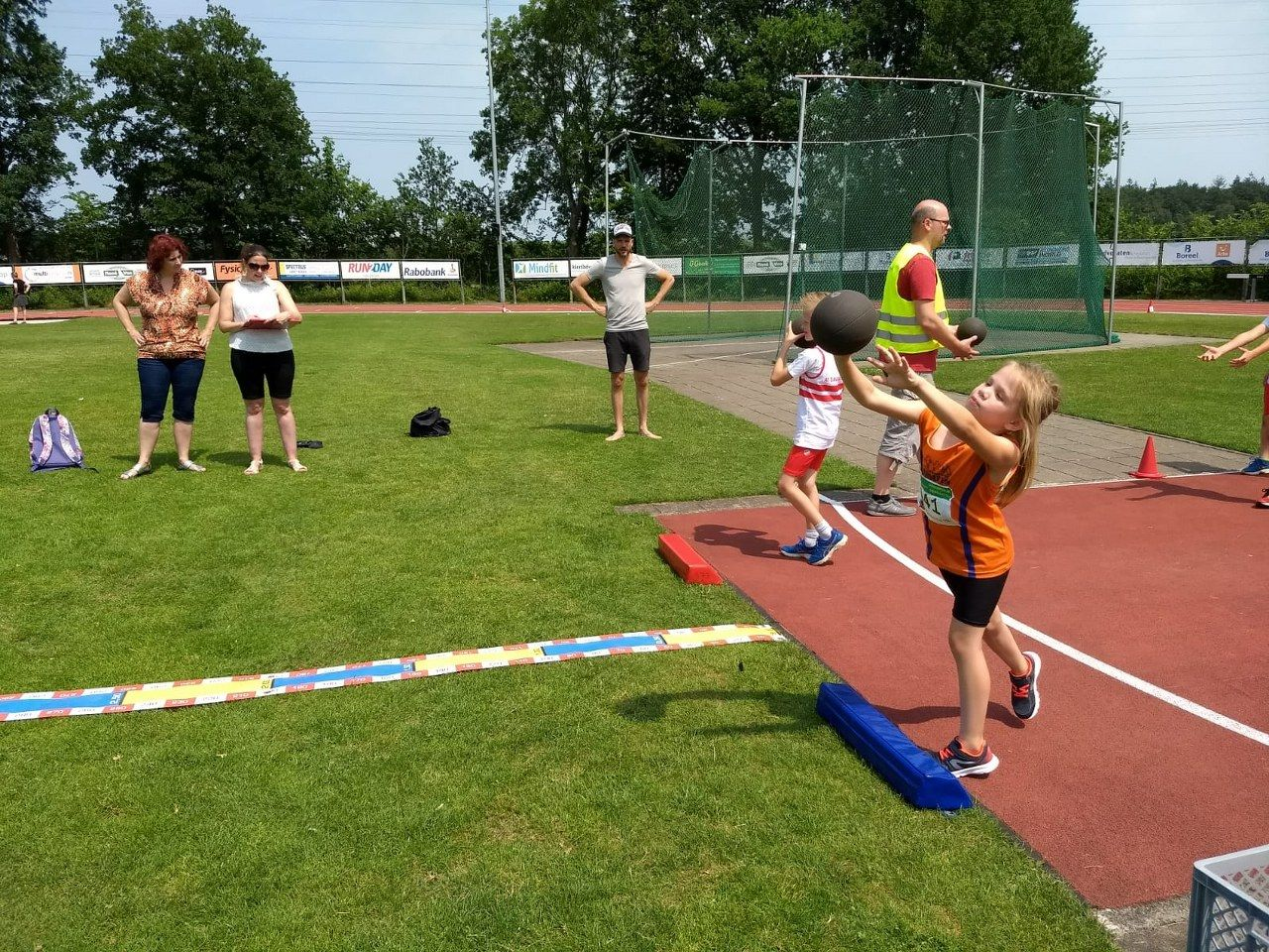 Climax - 2e Athletic Champs Stedenwedstrijd 2018 Deventer - Medicienbalstoten