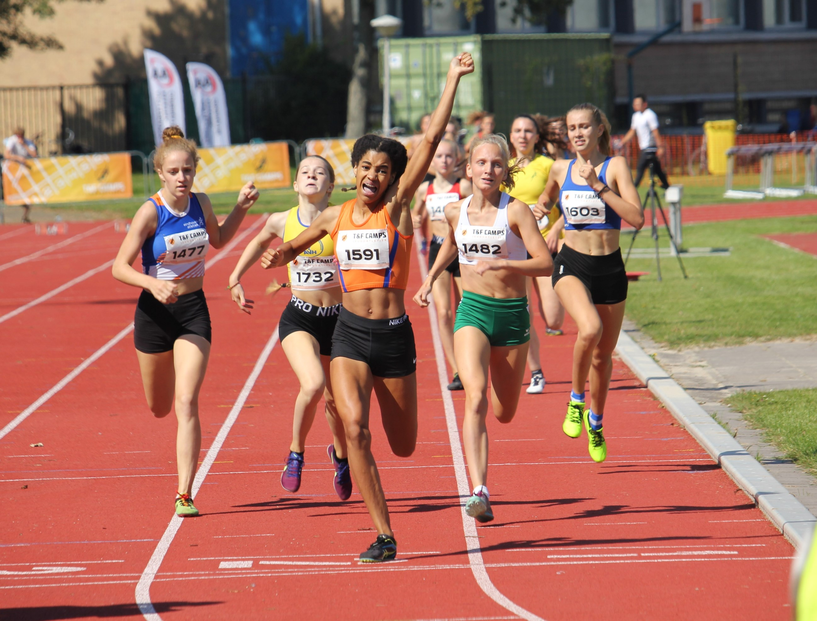 20190824 Celine wint 800 meter